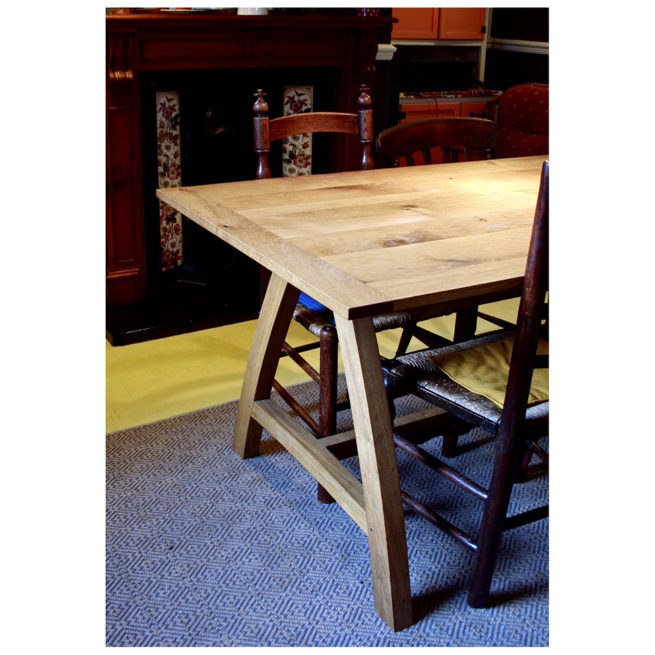 bespoke dining table, arbor furniture, furniture maker bristol