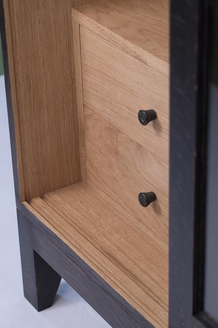furniture maker, bristol, bath, london, somerset, oak cabinet, sliding door display cabinet